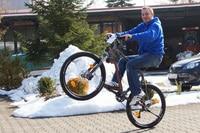 Sirg Schützbach: Wheelies auch ohne Motor