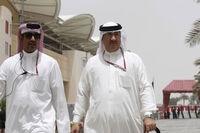 Scheich Mohammed bin Essa Al-Khalifa aus Bahrain (rechts)