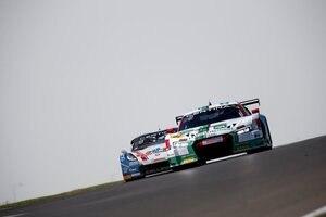 Enger Zweikampf zwischen Audi R8 LMS (re.) und Corvette C7 GT3-R