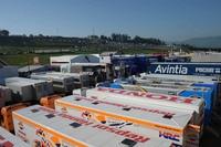 Paddock in Mugello: Eine GP-Fahrerlizenz kriegt man auch ohne DMSB