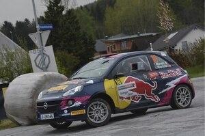 Opel-Werkspilotin Tamara Moiinaro im Adam R2