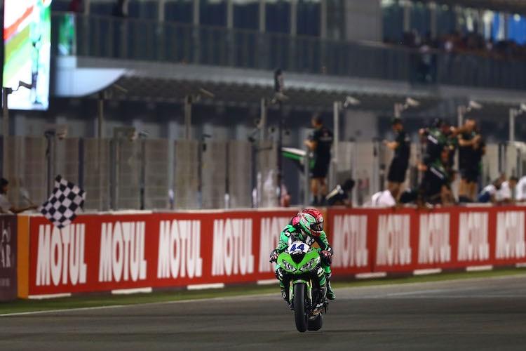 Lucas Mahias gewinnt das Rennen