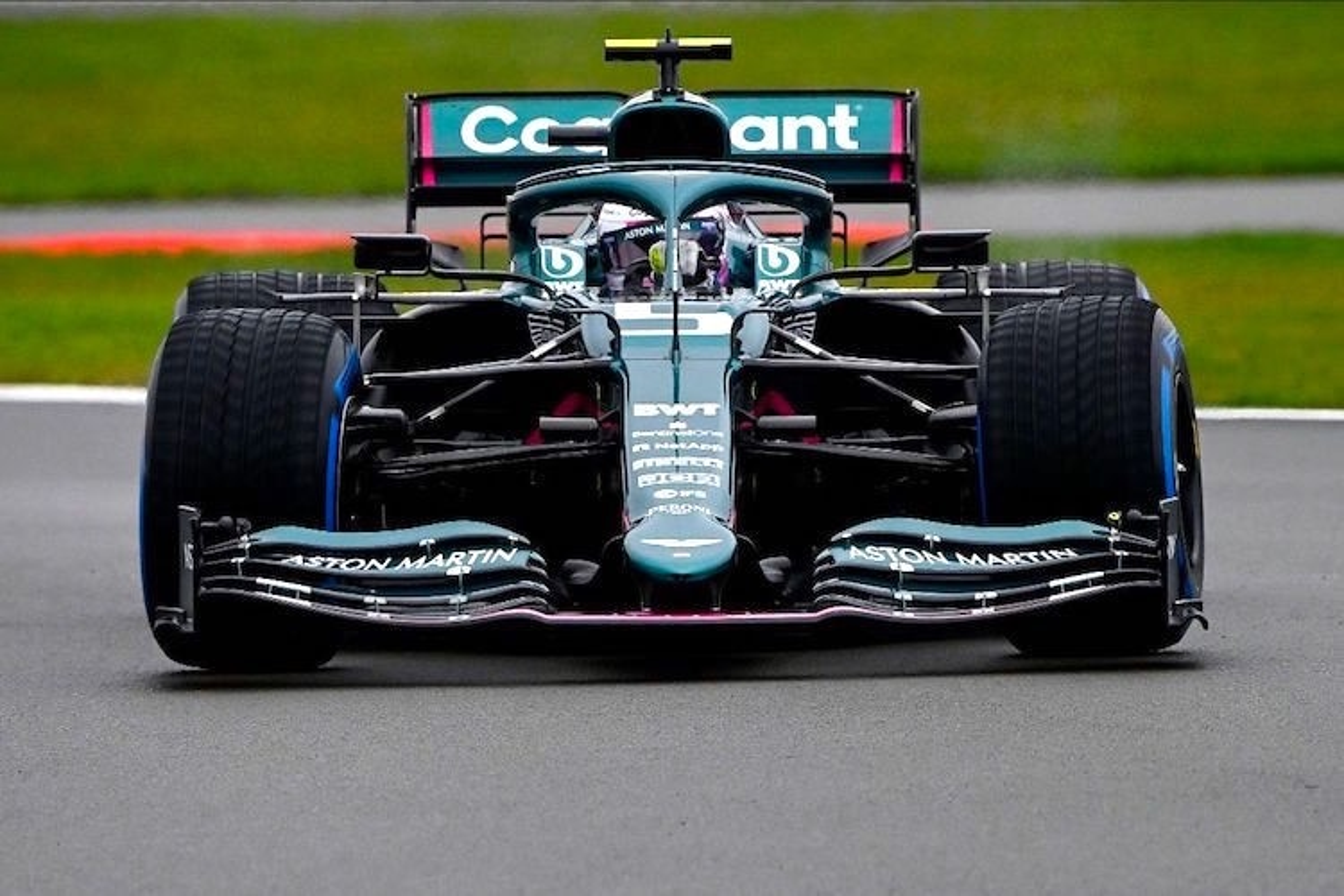 Sebastian Vettel Aston Martin Im Silverstone Test Formel 1 Speedweek Com