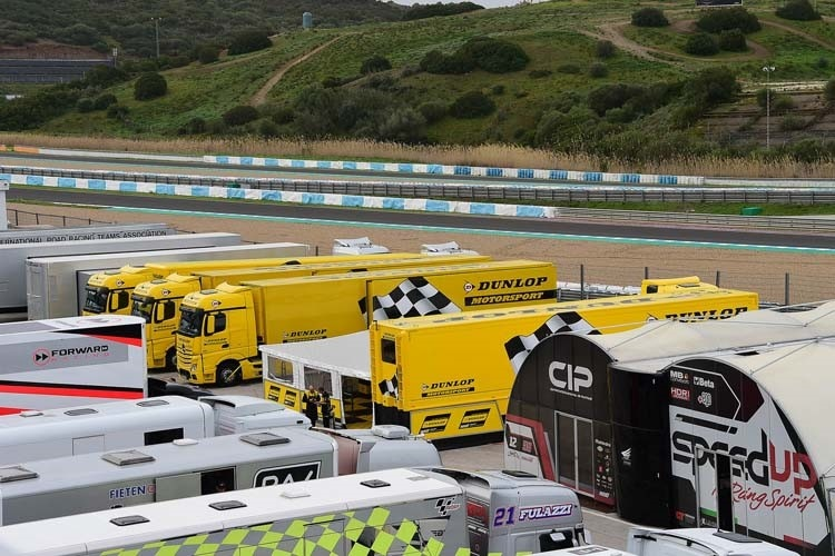 Die Dunlop-Trucks in Jerez