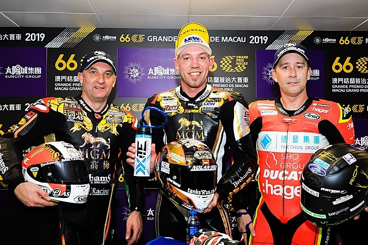 Michael Rutter, Peter Hickman, David Johnson (vlnr.)