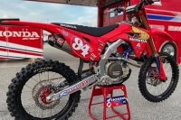 Ken Roczen startet in Daytona im Retro-Look