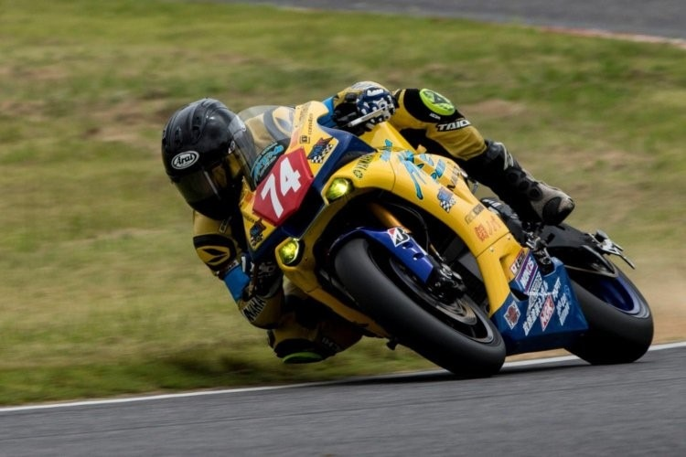 Anthony West auf der Yamaha R1 in Suzuka