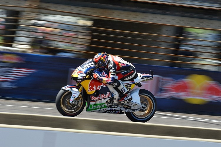 Stefan Bradl: Red-Bull-Werbung in Indy