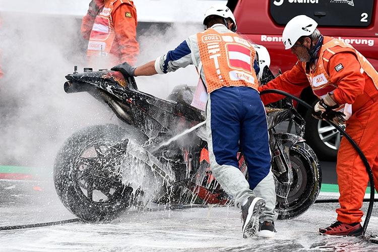 Le vélo KTM démoli de Pedrosa