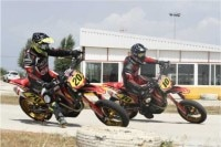 Supermotoland: Supermoto-Training und -fahrspass in Spaniens Urbaubsdestinationen
