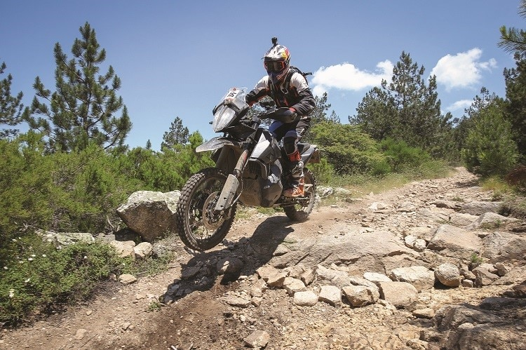 Chris Birch in Action auf der Vorserien-KTM 790 Adventure R