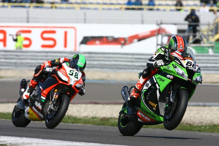 WM-Leader Tom Sykes vor Eugene Laverty (Aprilia)