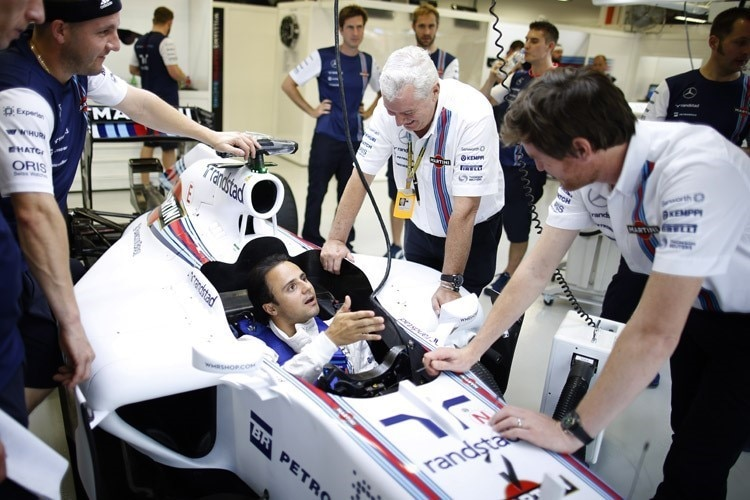 Pat Symonds am Wagen von Felipe Massa