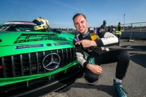 Pole-Position in Hockenheim: Tim Heinemann vor dem Mercedes-AMG GT4
