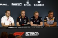 Andreas Seidl (McLaren), Paul Monaghan (Red Bull Racing), Andrew Green (Racing Point) und Mario Isola (Pirelli)