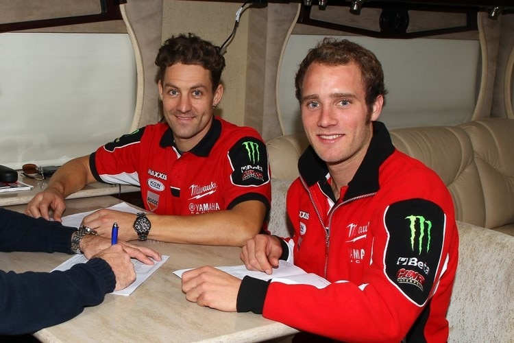 Tommy Bridewell (re.) und sein Teamkollege Joshua Brookes