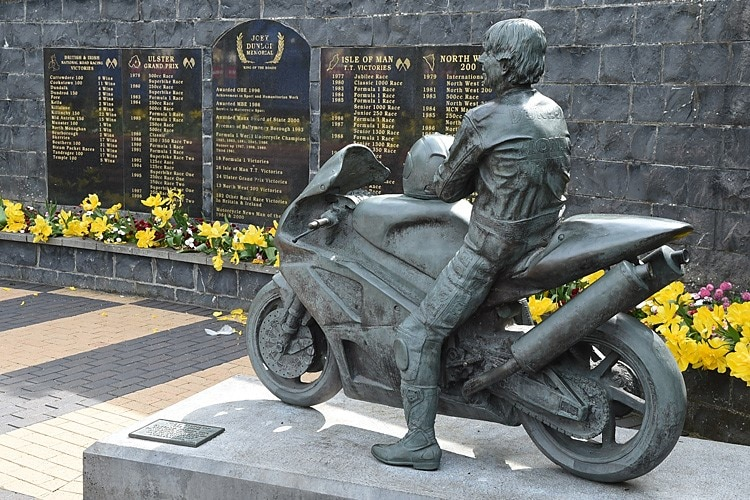Der Memorial Garden für Joey Dunlop, dem King of the Mountain