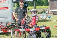 William Matthijssen und Sohn Lester beim Speedway-Training in Moorwinkelsdamm