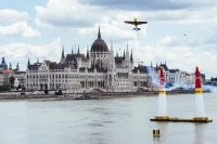 Red Bull Air Race: Martin Sonka jubelt in Budapest