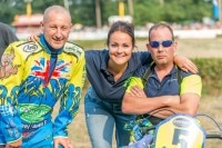 Mitch Godden (r.), Ciara Southgate und Paul Smith (GB) vor dem EM-Finale in Werlte