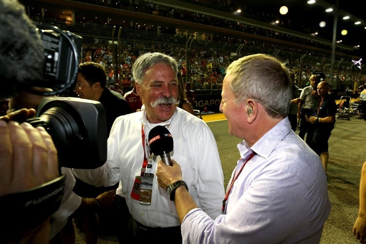 Formel-1-CEO Chase Carey mit Martin Brundle