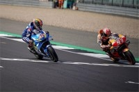 Silverstone: Alex Rins besiegt Marc Márquez im Finish