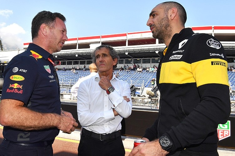 Christian Horner (Red Bull Racing) mit Renault-Berater Alain Prost und Renault-Teamchef Cyril Abiteboul