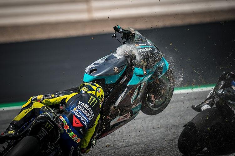 Comme une torpille: la moto de Franco Morbidelli a failli faire descendre Rossi du vélo