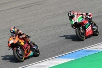 Bradley Smith vor Scott Redding