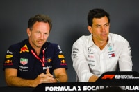 Red Bull Racing-Teamchef Christian Horner und Mercedes-Teamchef Toto Wolff 2019 in Baku